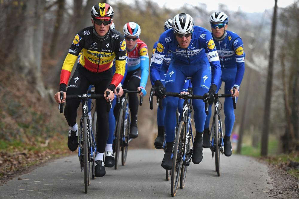 Yves Lampaert, hier nog als Belgisch kampioen, en Tim Declercq broederlijk naast elkaar. Ook bij Deceuninck-Quick.Step zijn ze onafscheidelijk.
