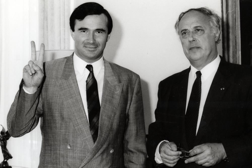 Op 9 juni 1989 legde Hendrik Verkest als burgemeester de eed af bij toenmalig West-Vlaams gouverneur Olivier Vanneste. Binnen twee jaar geeft hij de fakkel door aan Lieven Huys en krijgt Wingene een nieuwe burgemeester.