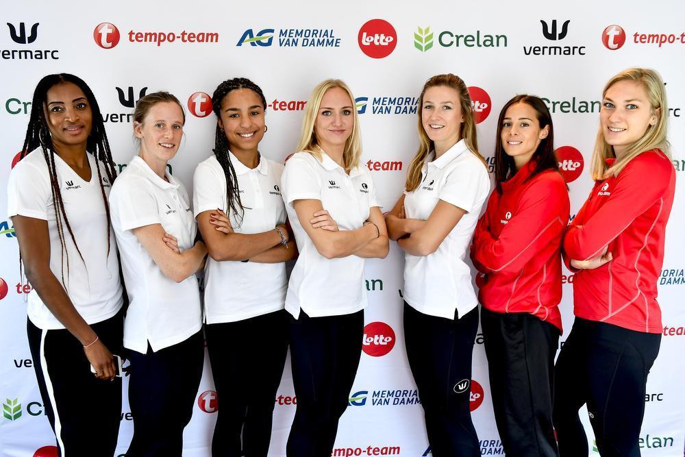 V.l.n.r. coach Carole Kaboud Me Bam, Imke Vervaet, Liefde Schoemaker, Hanne Claes, Paulien Couckuyt, Camille Laus en Manon Depuydt. (foto Belga)