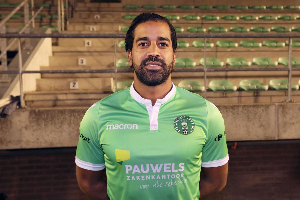 Jason Vandelannoite traint bij KM Torhout, maar mag er (nog) geen wedstrijden spelen.