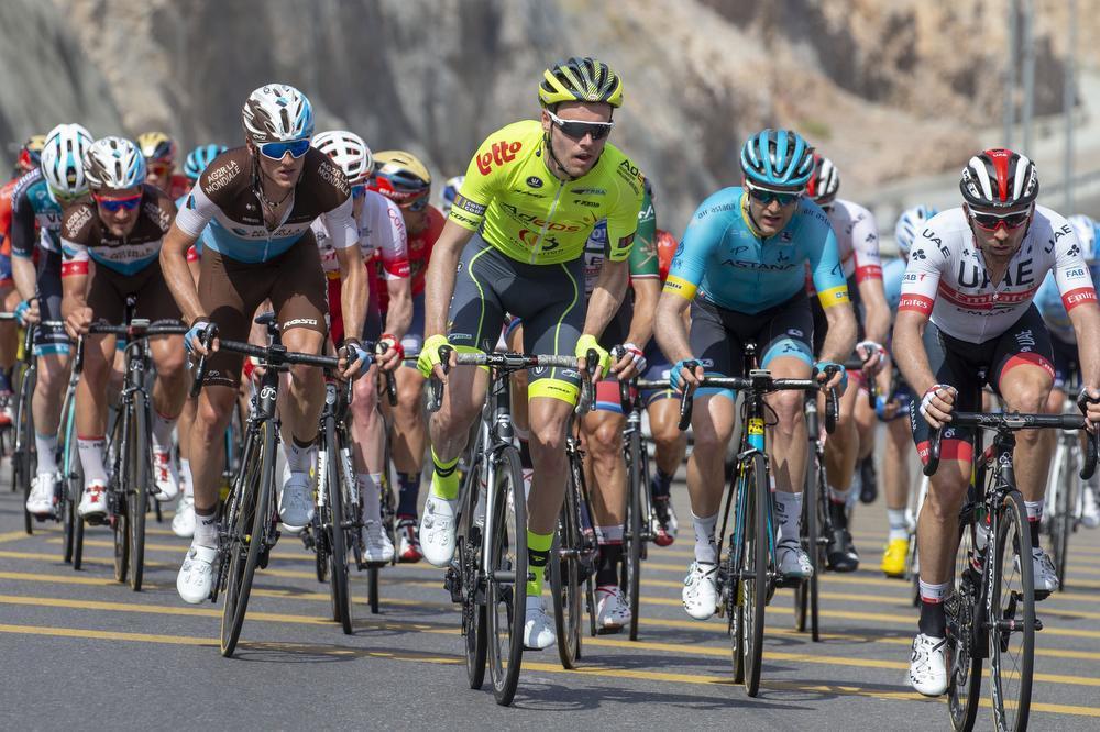 Eliot Lietaer begon dit seizoen uitstekend in de Ronde van Oman, maar heeft nog geen zekerheid over zijn toekomst. (foto's Belga/Getty Images)