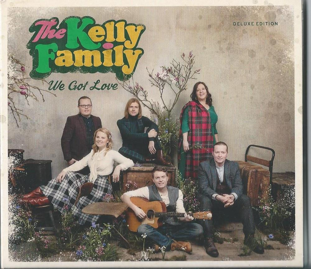 De nieuwe cd-hoes van het nieuwe album van The Kelly Family 'We Got Love'.