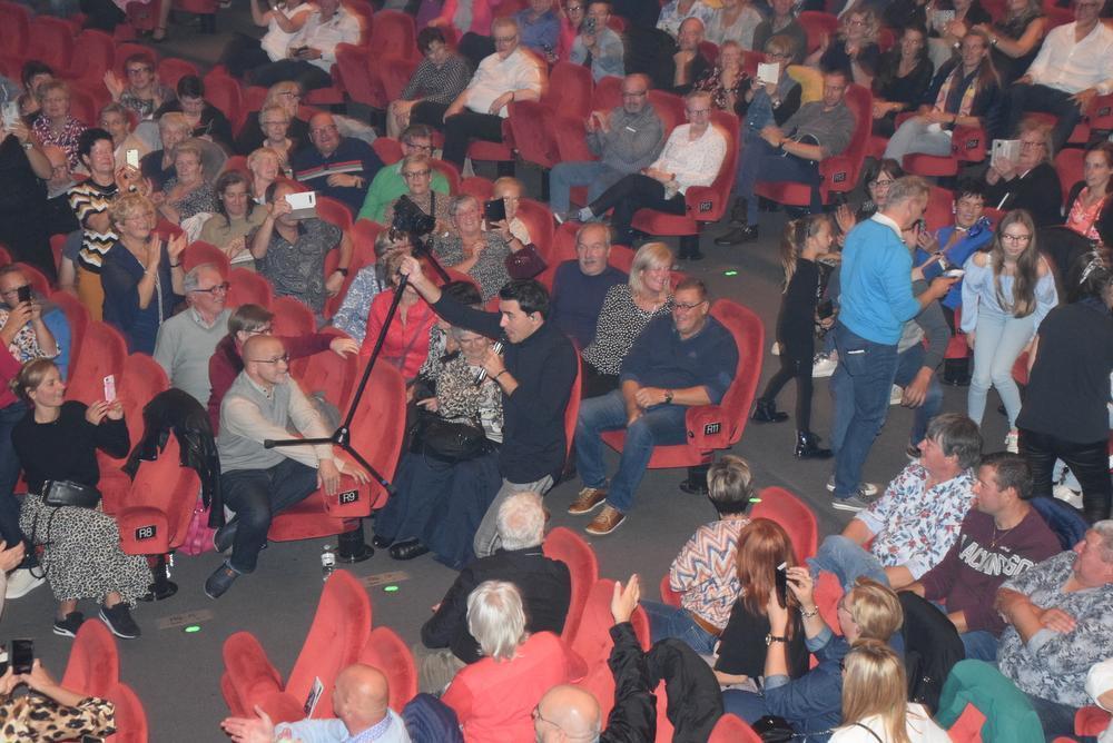 IN BEELD - Jan Smit maakt publiek happy tijdens zijn concert in Kursaal Oostende