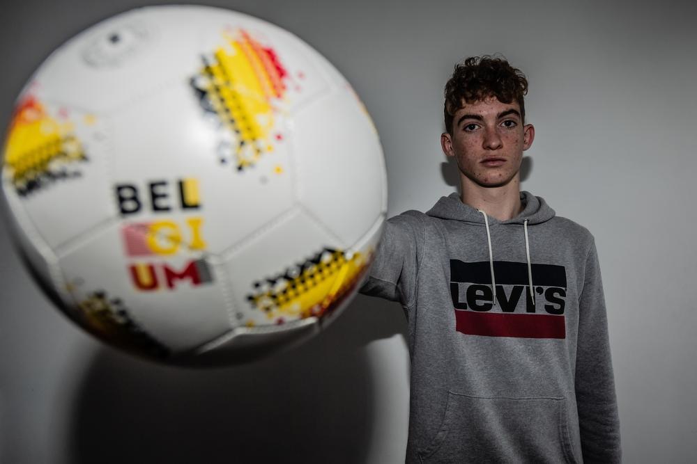 15-jarige Wevelgemnaar tekent profcontract bij Racing Genk