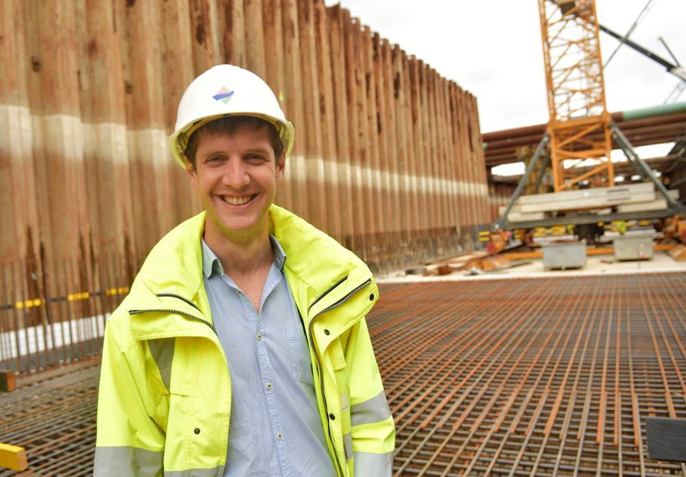 Bert D'Hondt leidt als projectingenieur de werken in goede banen.