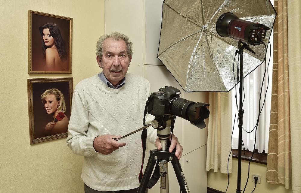 Fotograaf Arsène Vanheuverswijn ontpopte zich in Roeselare tot een levende legende.