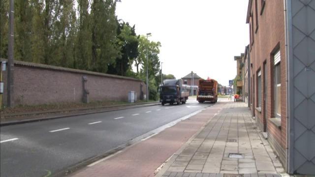 26-jarige fietsster kritiek na aanrijding bromfietser in Oostkamp