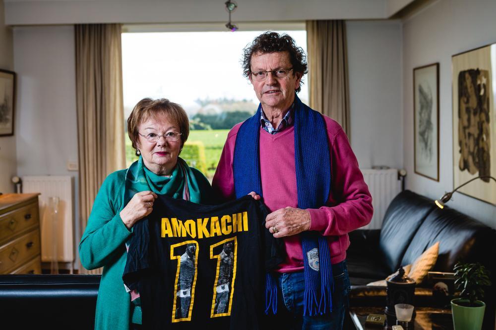 Magda Liekens en Willy De Geytere namen als pleegouders Daniel Amokachi vier jaar in huis. (Foto Davy Coghe)