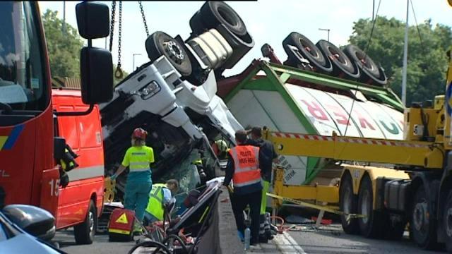 File richting kust na ongeval E40, ook omleiding via Kortrijk verzadigd