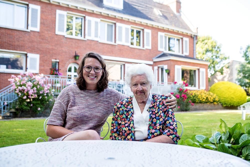 Jolien Lootens-Stael en haar oma Marie-Madeleine Ampe.