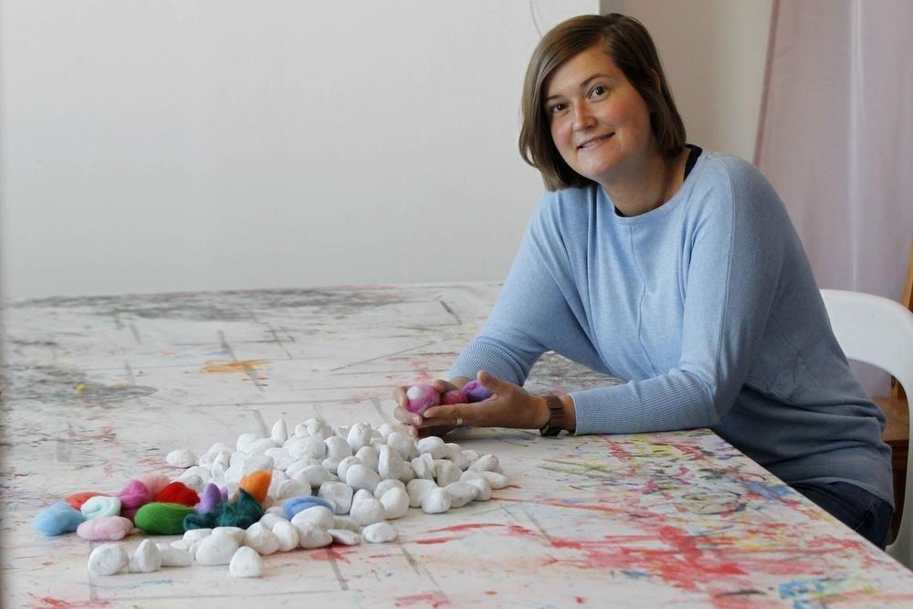Leila Paesbrugghe leert je stenen vilten.