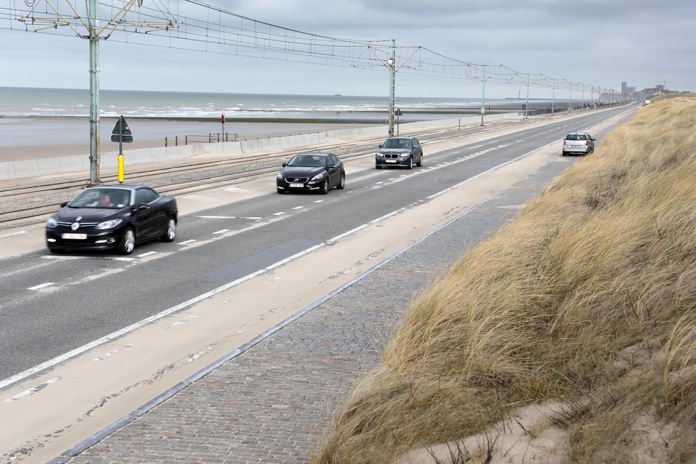 Langs de Kustbaan komt er trajectcontrole tussen Raversijde en Middelkerke. (foto's PM)