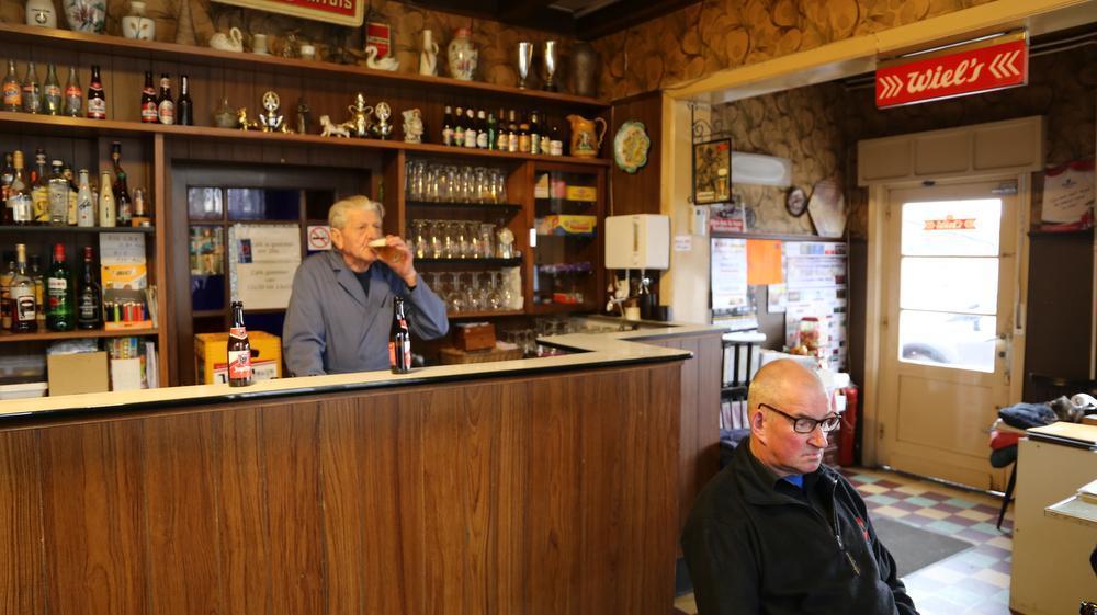 Caféklap in Café De Warande in Zwevezele: