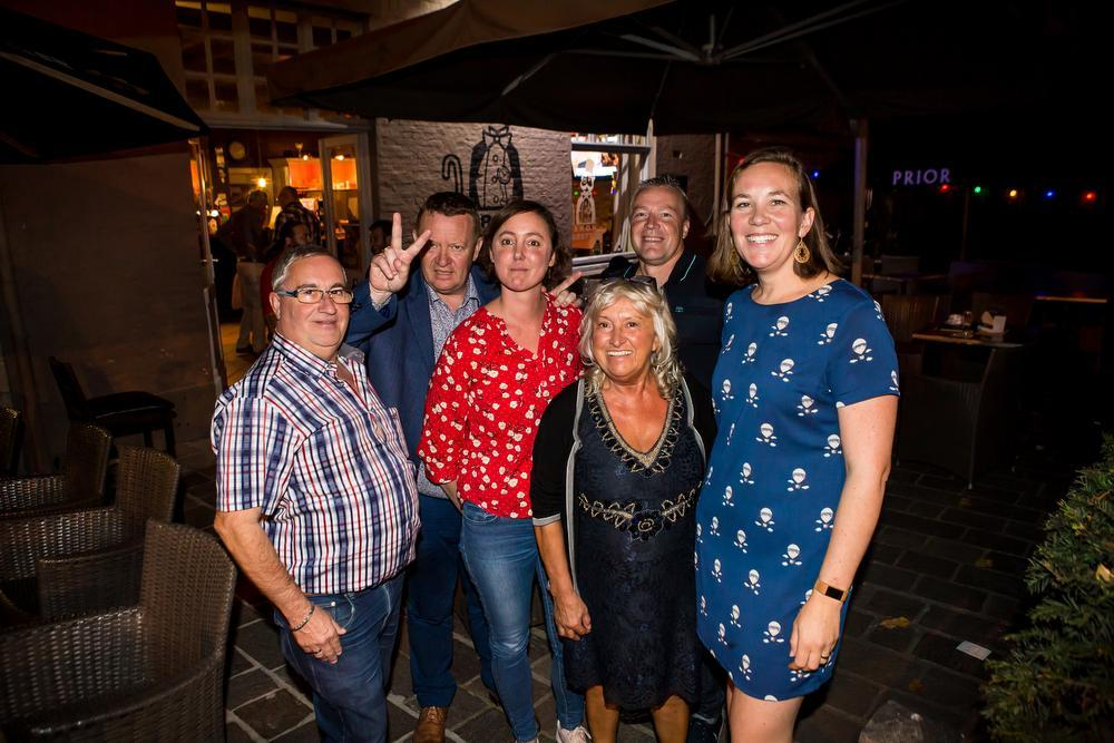 Ook bij Vlaams Belang, die samen kwam in café Baron Ruzette aan de Katelijnepoort, was de tevredenheid groot.