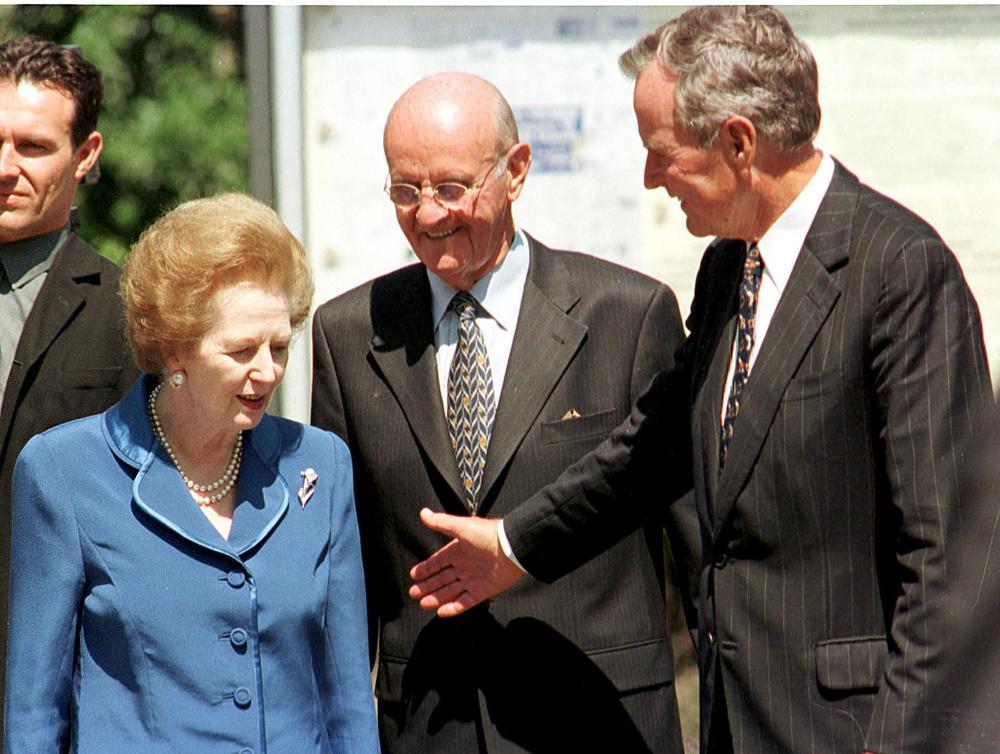 George Bush en Margaret Thatcher woonden in 1999 het verjaardagsfeest van Roger de Clerck bij.