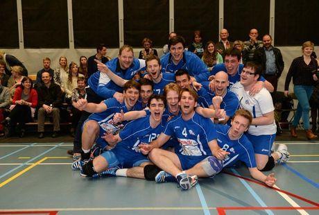 FOTOSPECIAL Knack Roeselare B is provinciaal kampioen.