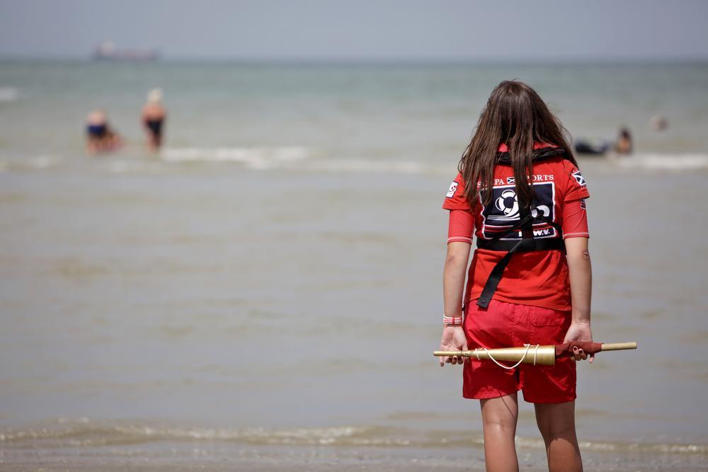 Roken op het strand en zwemmen in de zee: het zal ook straks nog mogen
