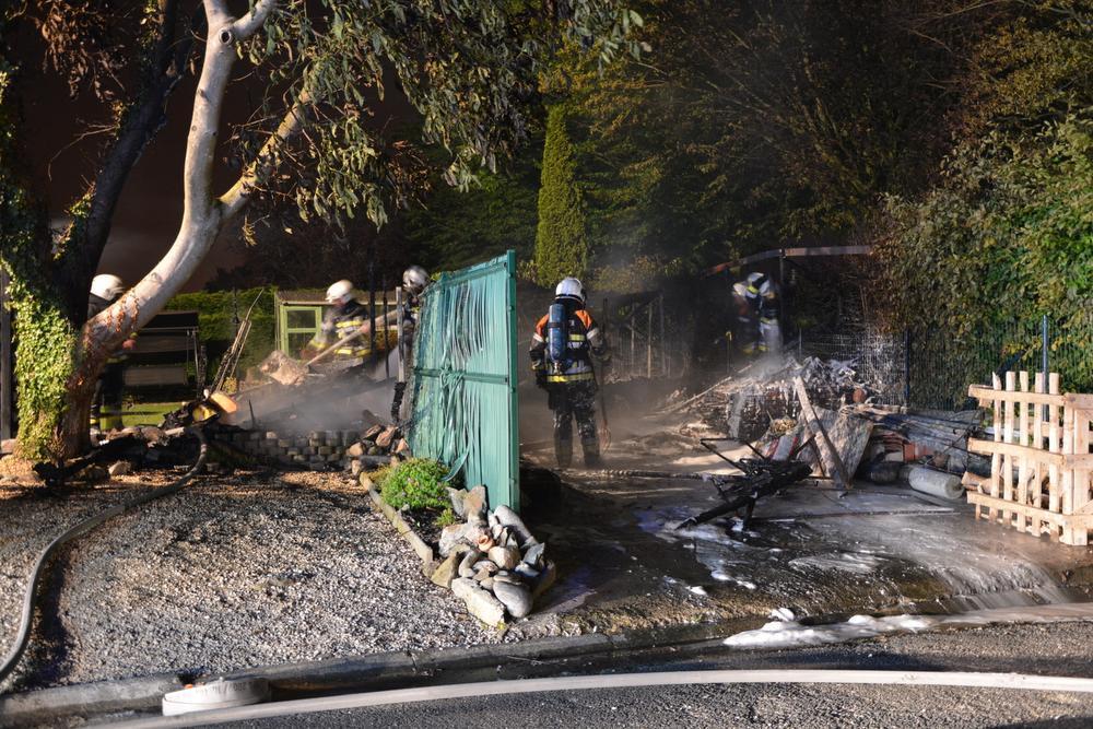 Tuinhuis in de as in Ieper, brandweer voorkomt erger