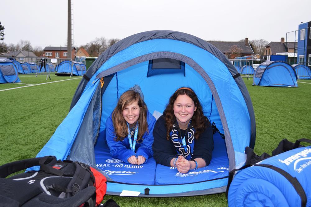 REPORTAGE Jan Breydelstadion werd een camping voor één nacht