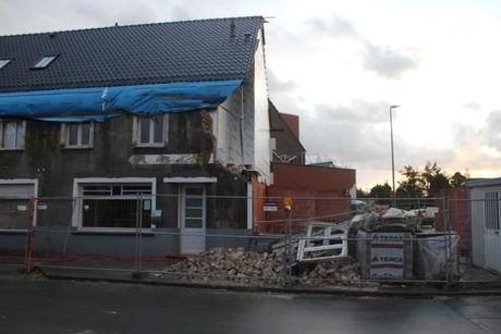 Storm blaast muur van nieuw appartementsgebouw omver in Zerkegem