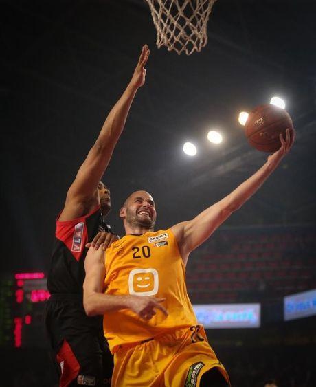 BC Oostende klopt Charleroi