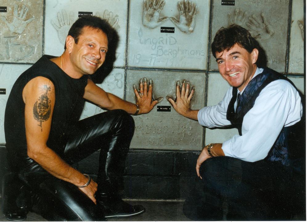 Met Luc Appermont bij de 'Wall of Fame'