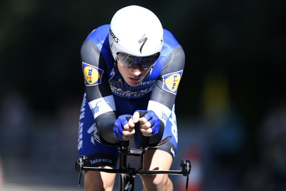 Victor Campenaerts verrast Yves Lampaert tegen de klok: