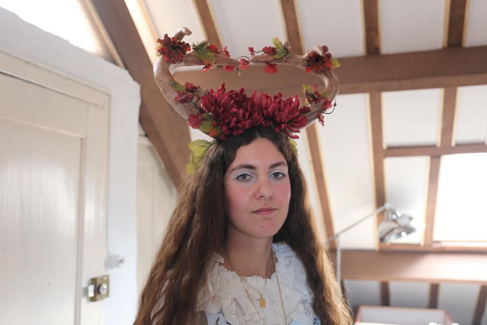Creatieve geweien is niet het enige wat de Oostendse Sophie Coucke maakt. Als The Everblooming Forest maakt ze ook strips, fantasyverhalen én zelfs een eigen wereld. Meer in Krant van West-Vlaanderen.