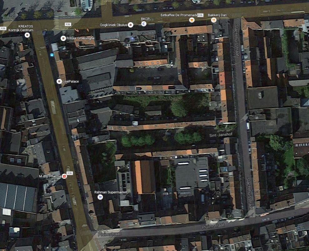 Sloopkraan laat vier panden plaats maken voor buurttuin in centrum van Kortrijk