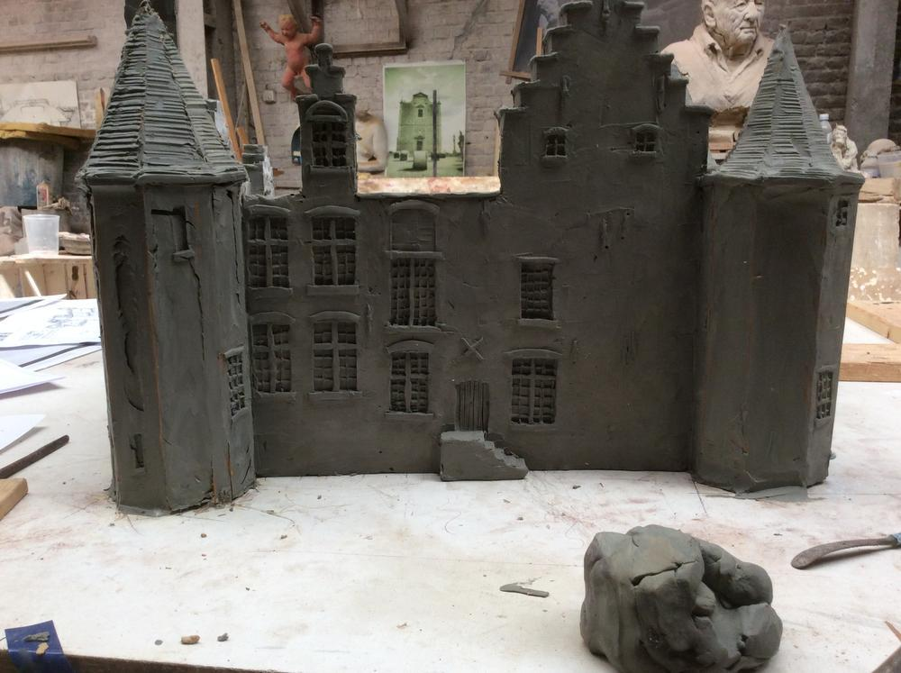 IN BEELD Ook kasteel van Rumbeke krijgt mini-versie dankzij Kiwanis Roeselare 1