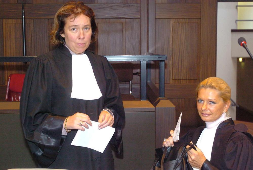 Liliane Verjauw (l.) en Ilse Buyst, advocaten van de beschuldigde.