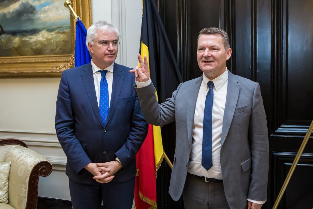 Eedaflegging bij gouverneur Carl Decaluwé van burgemeester Joris Hindryckx.