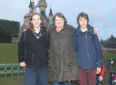 De Romeo's met West-Vlaamse fans te gast in Disneyland Parijs