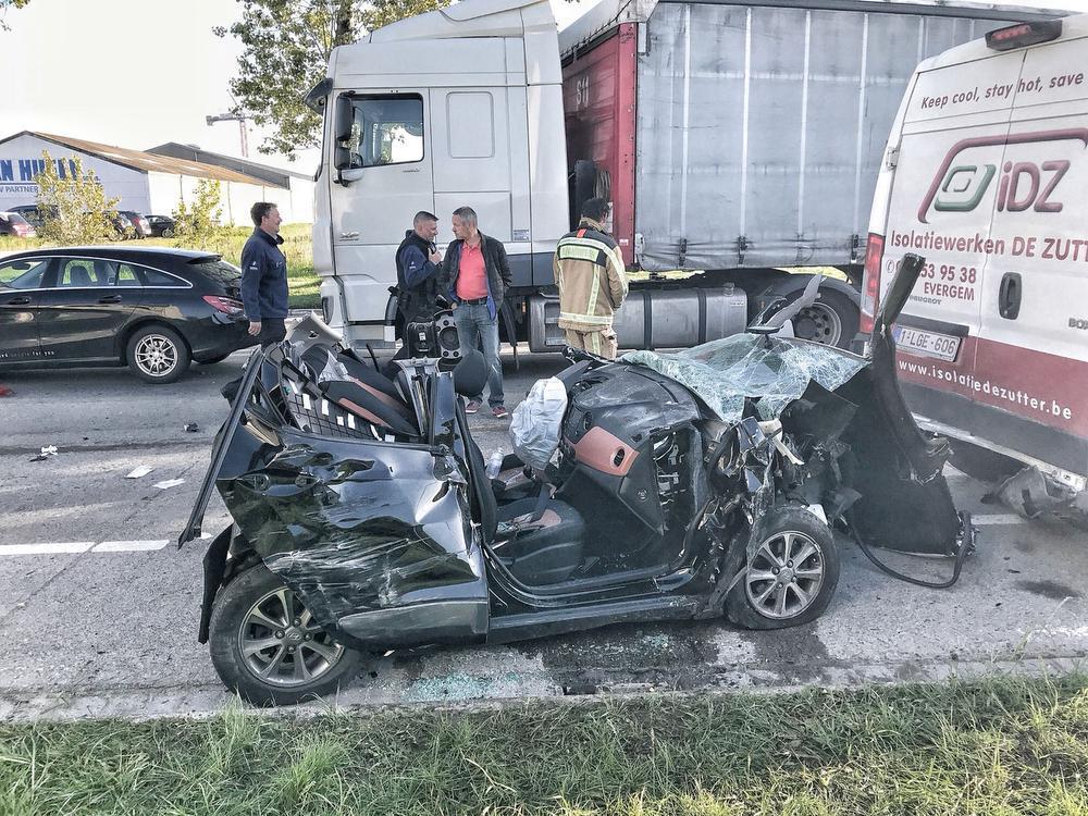 Het ongeval gebeurde ter hoogte van de firma Van Heule.