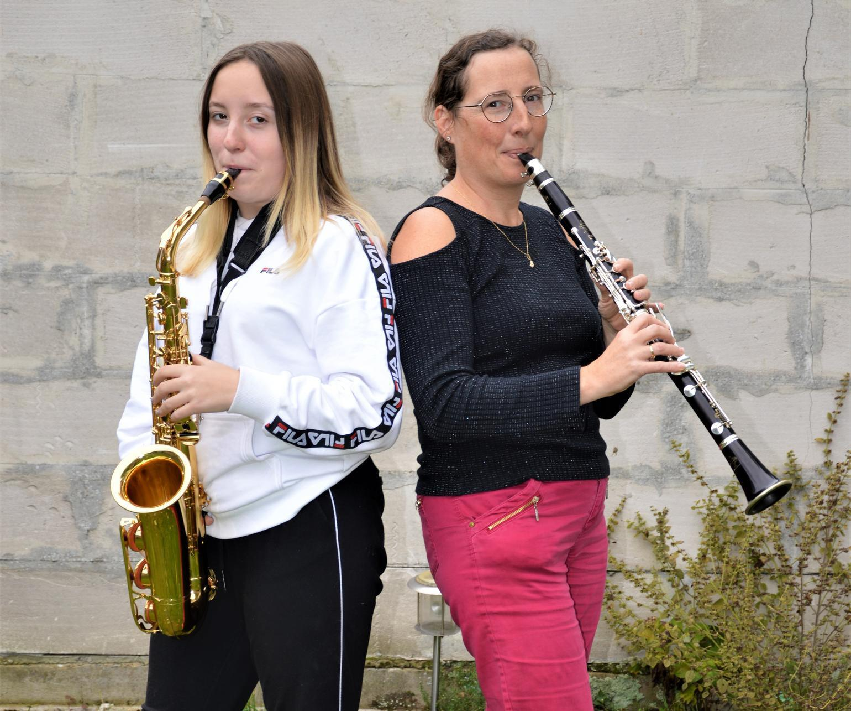 Rita Pockelé en Laure: moeder en dochter op de klarinet/sax.