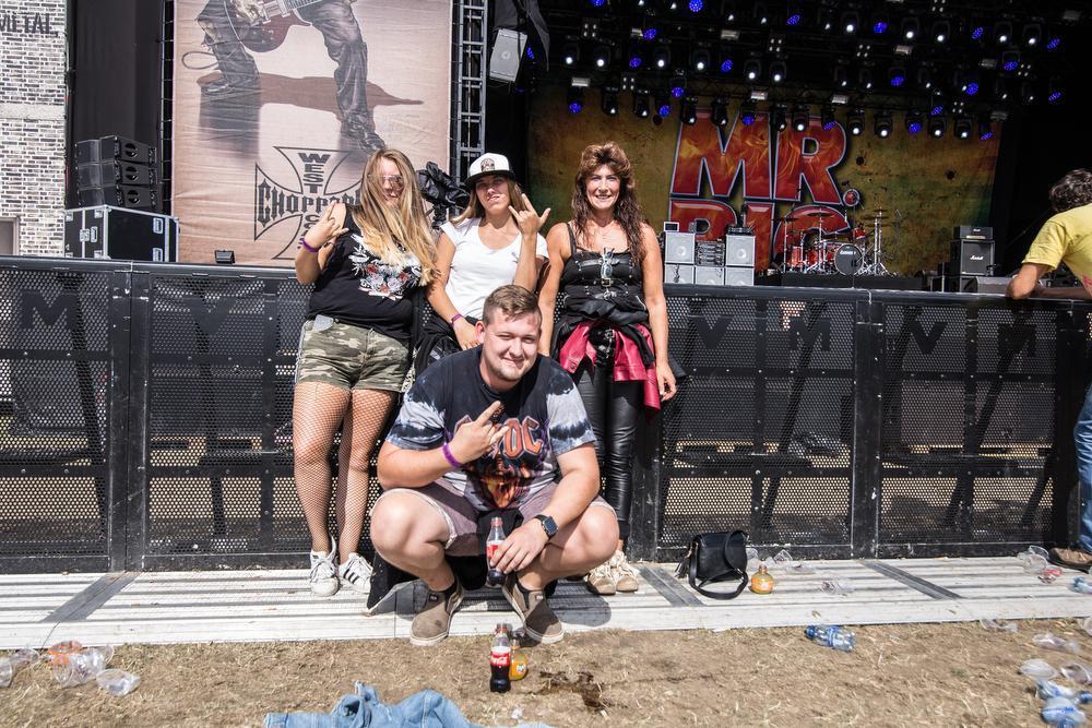 Op de foto herkennen we Christophe, Lindsay, Chelsea en Jasmiene