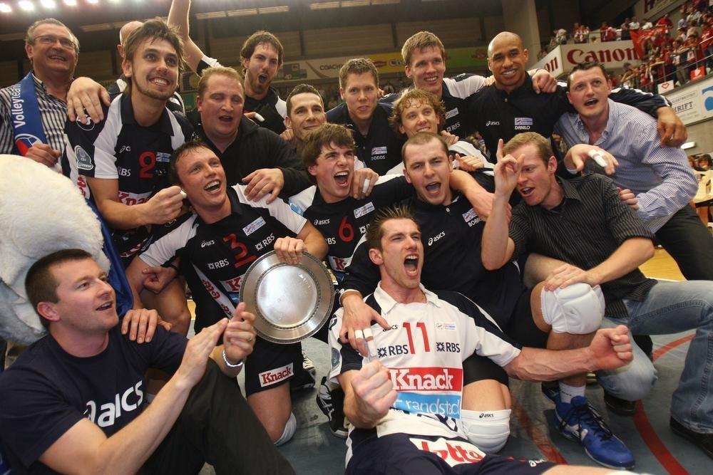 In 2010 veroverde Knack de vijfde landstitel na een ultraspannende titelfinale: vier van de vijf wedstrijden waren vijfsetters.
