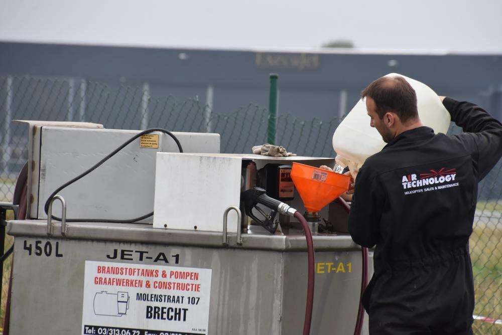 De 450 liter brandstof werd uit het toestel verwijderd.