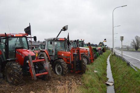 Boeren voeren massaal protest in Pittem
