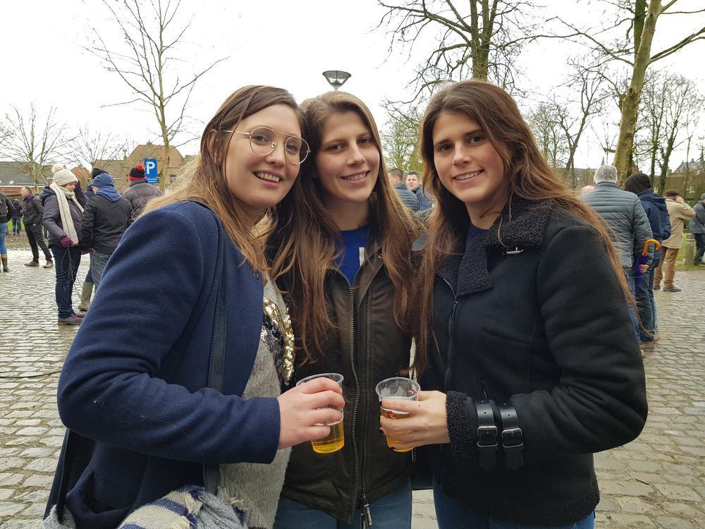 Rebecca, Stefanie en Sara.