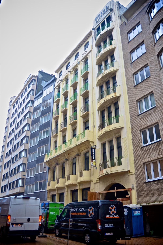 Het Royal Astor Hotel wordt momenteel gerenoveerd.