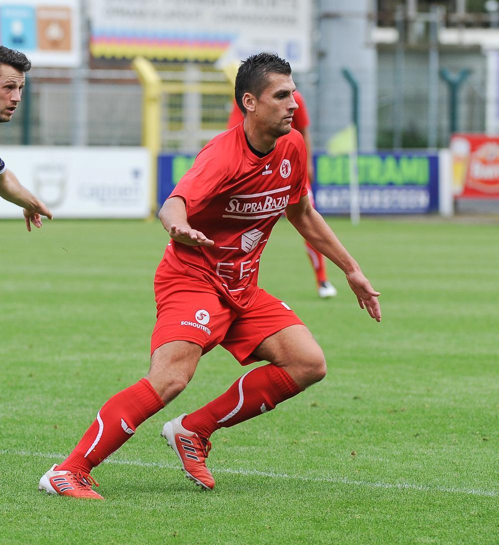 Jenci Dejonghe is al jarenlang een vaste waarde voor de verdeding van FC Gullegem, drie jaar geleden kwam hij over van SW Harelbeke.