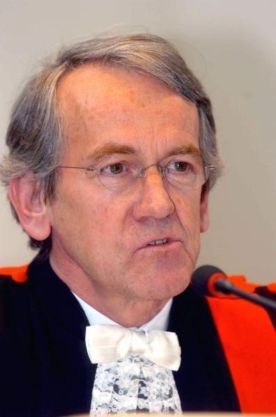 INSPECTEUR JPT (50): Bende Denoyelle wurgt Ingelmunsterse bankier in nachtbar