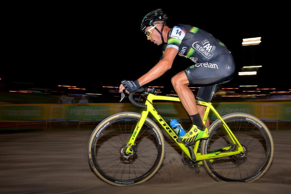 Michael Vanthourenhout derde in eerste wereldbekerwedstrijd in Las Vegas