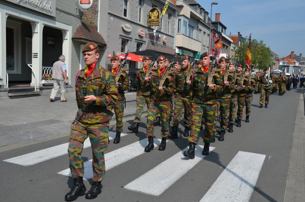 Elk jaar is ook het Bataljon 12de Linie - Prins Leopold - 13de Linie aanwezig om 'De Slag aan de Leie' te herdenken.