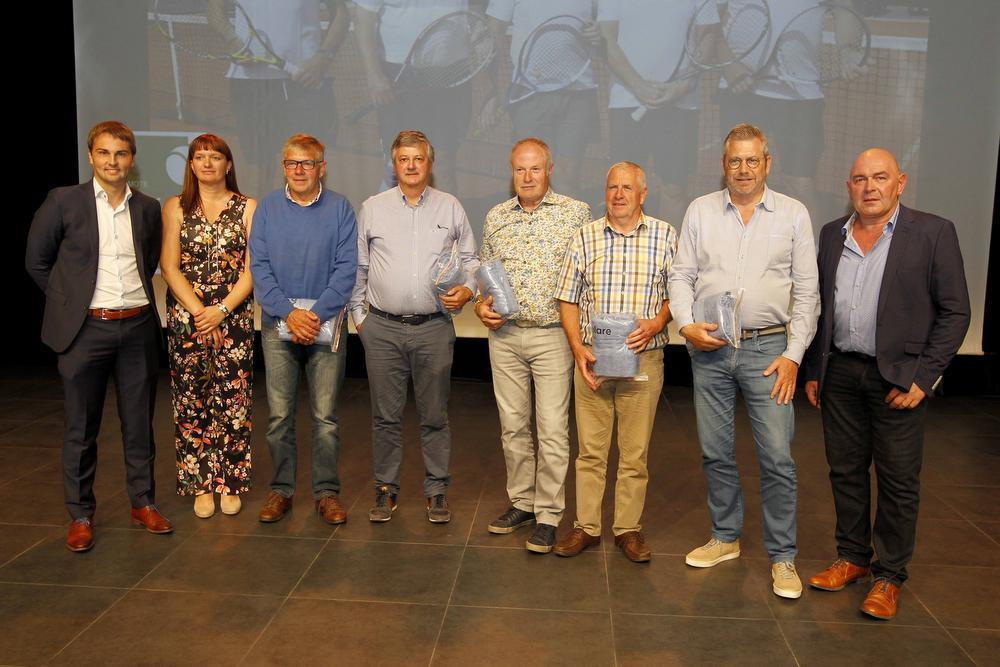 De veteranen werden West-Vlaams kampioen in het tennis.