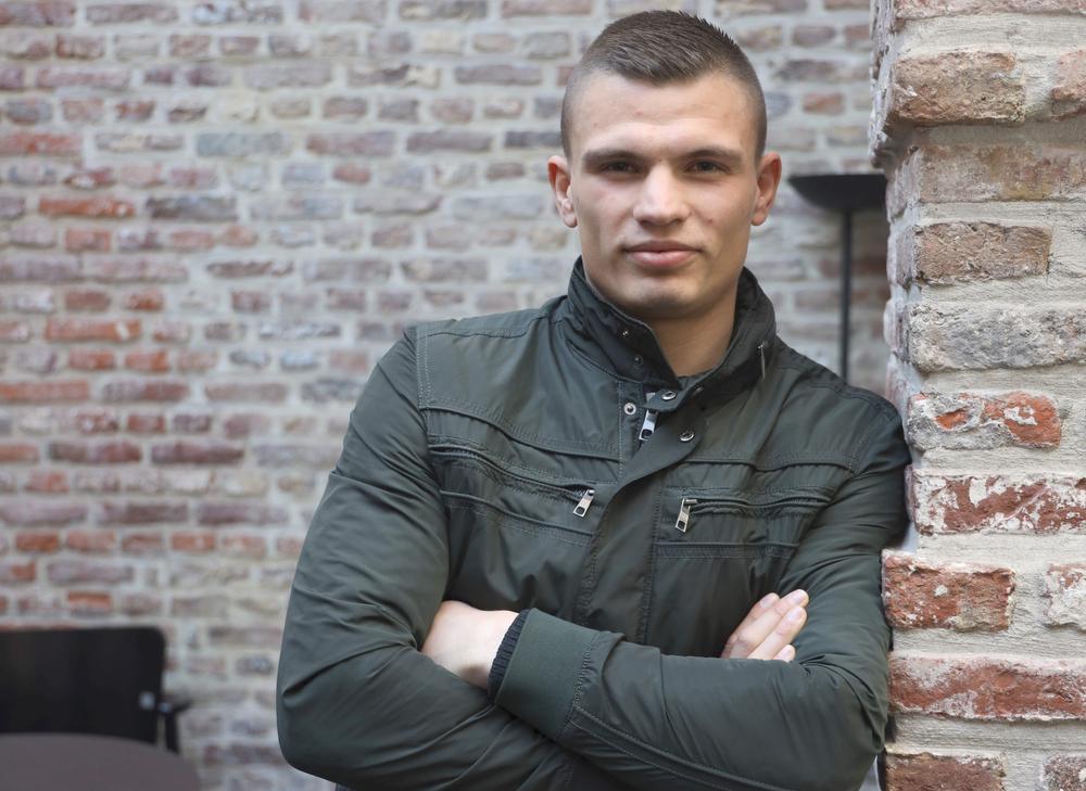 Ook Denis Rosescu uit Moorslede bokst in Kortrijk.