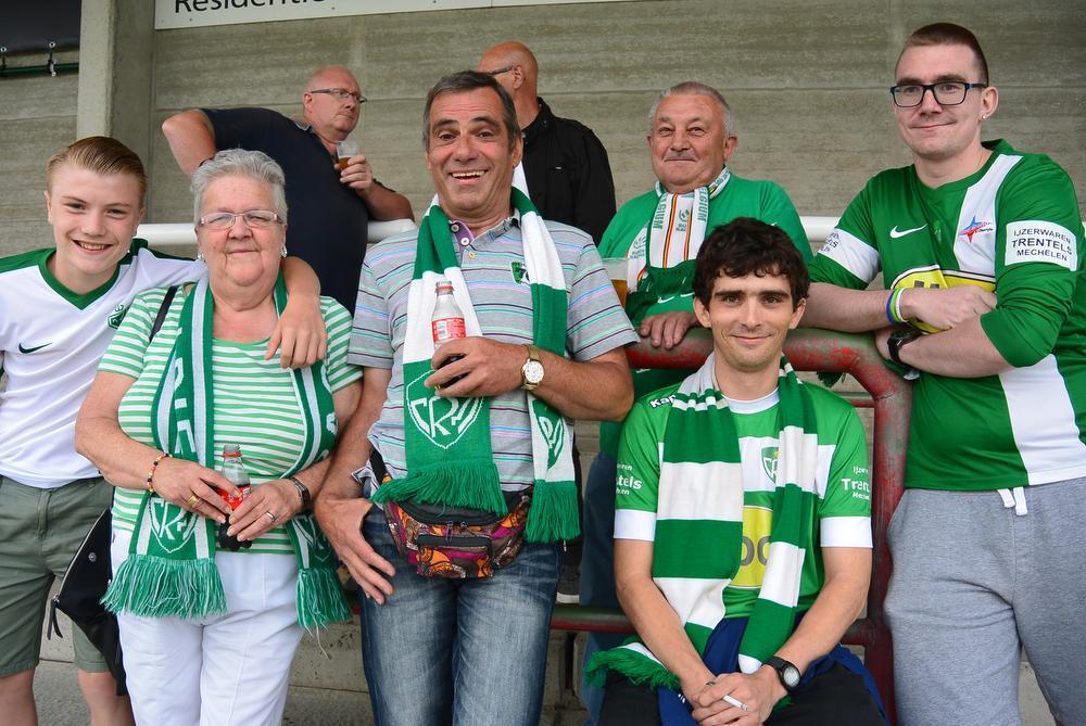 De 'hooligans' van RC Mechelen.