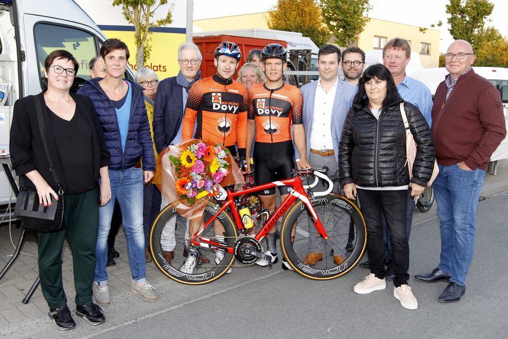 Jochen Deweer wint in Eernegem