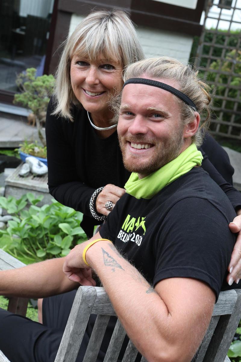 Matthieu Bonne en zijn mama, steun en toeverlaat Carol. (foto PM)